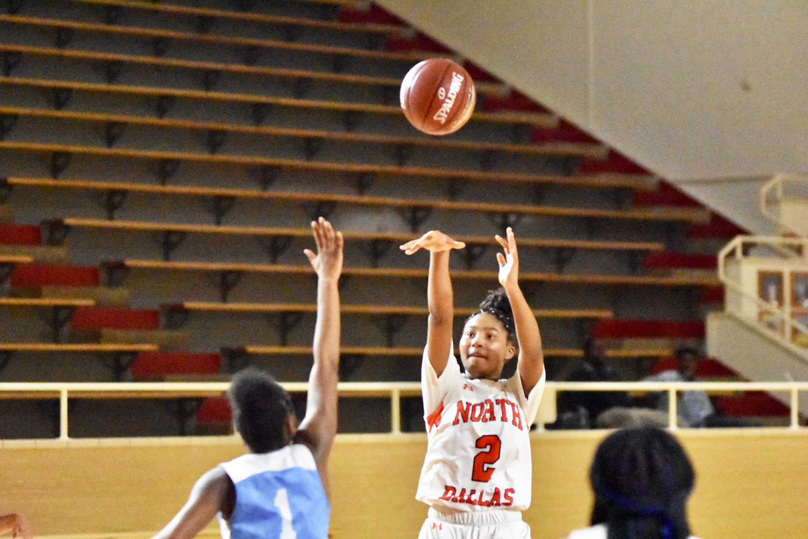Lady Bulldogs pull away to 35-21 win in district play