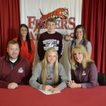 Maddy Riesterer signs to cheer @UWLAthletics