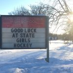 White Hawks Girls Hockey Defeats Hutch to Advance to State Tourney