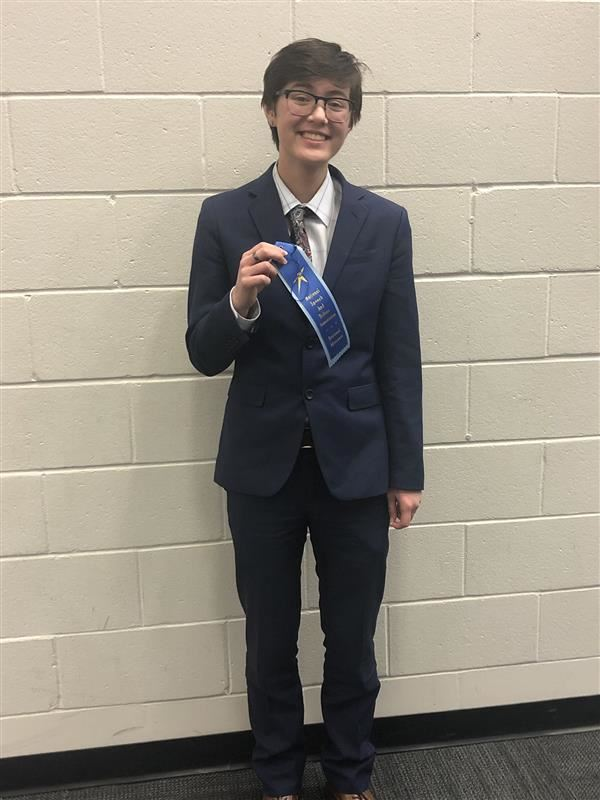 Sophomore Shines at Speech Tourney