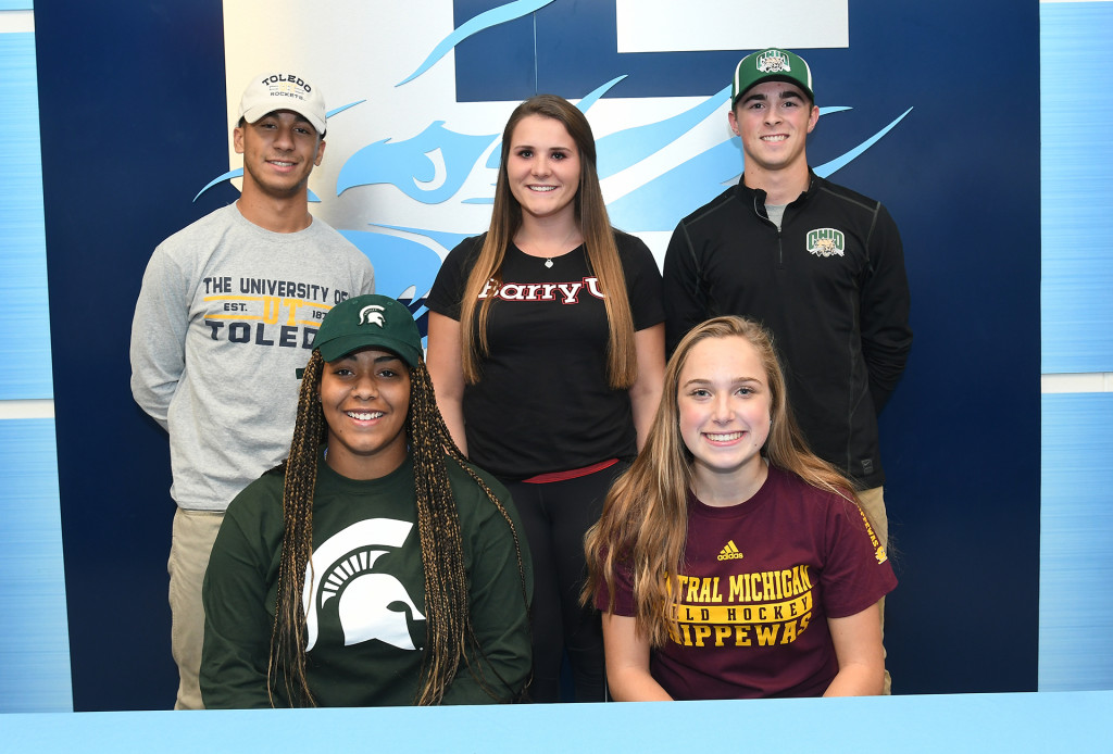 Congrats to our Eagles who Signed!!