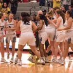 Girls Varsity Basketball Advance to the Elite Eight
