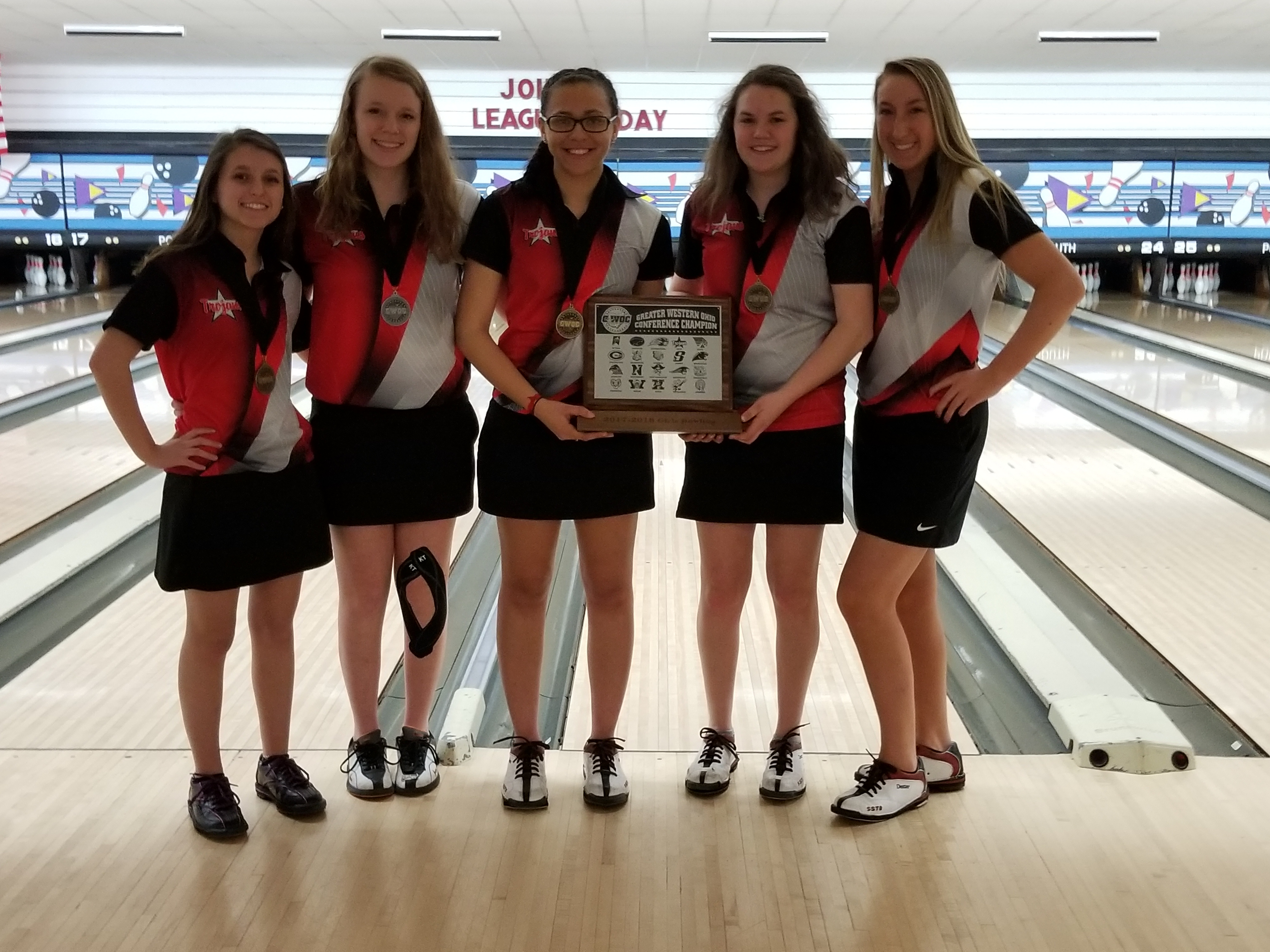 Girls Bowling Clinches All-GWOC Title
