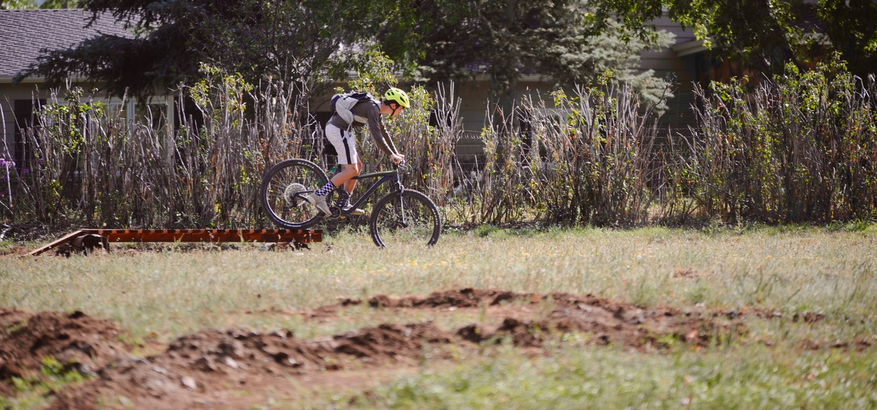Volunteers Carve Out Mountain Bike Course on Campus