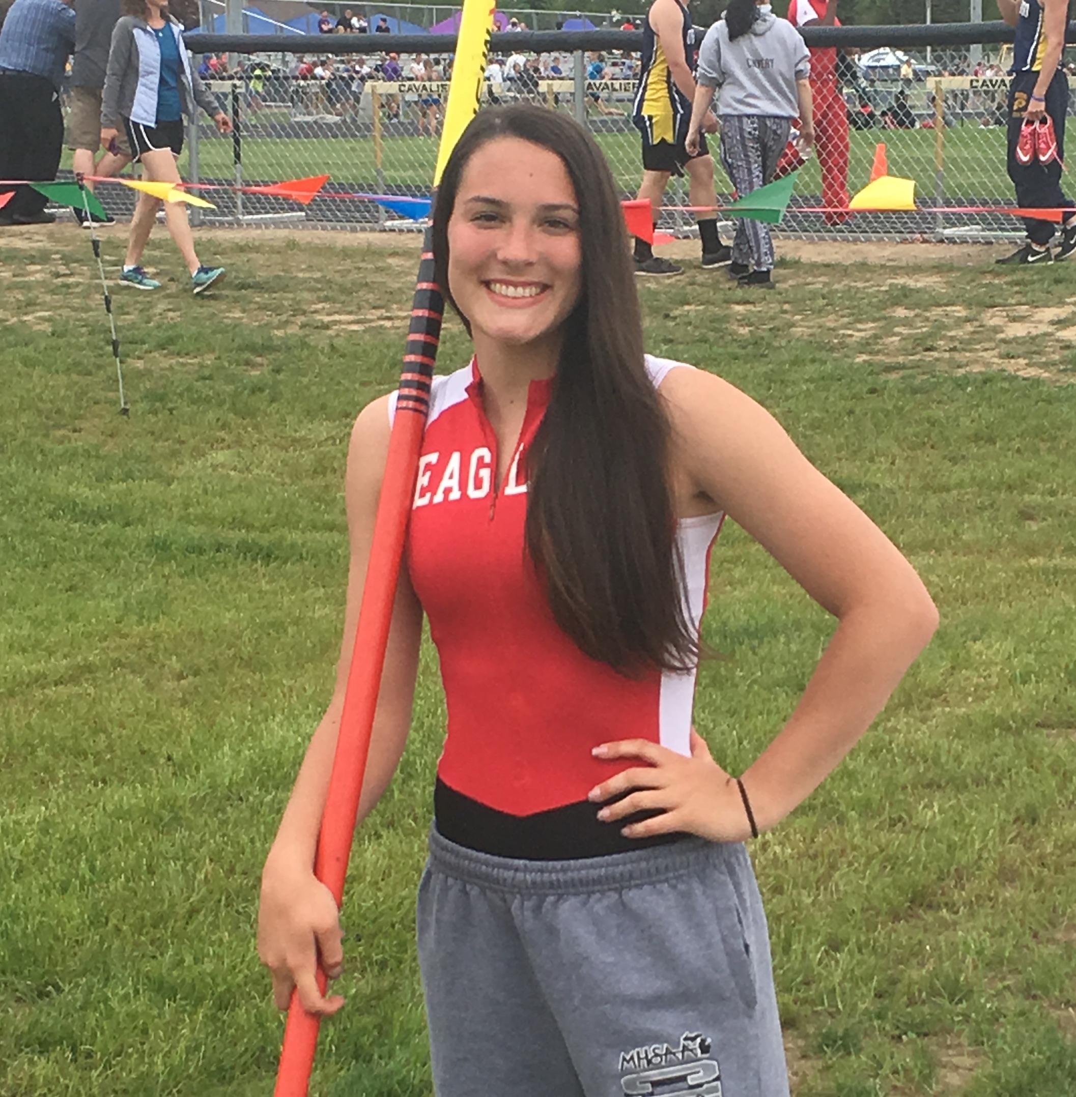 Lauren O'Brien Breaks Linden High School Women's Pole Vault Record