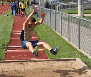 Photos: Bears Compete at Suburban White Conference Meet