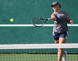 Photos – Girls' Tennis Continues to Impress