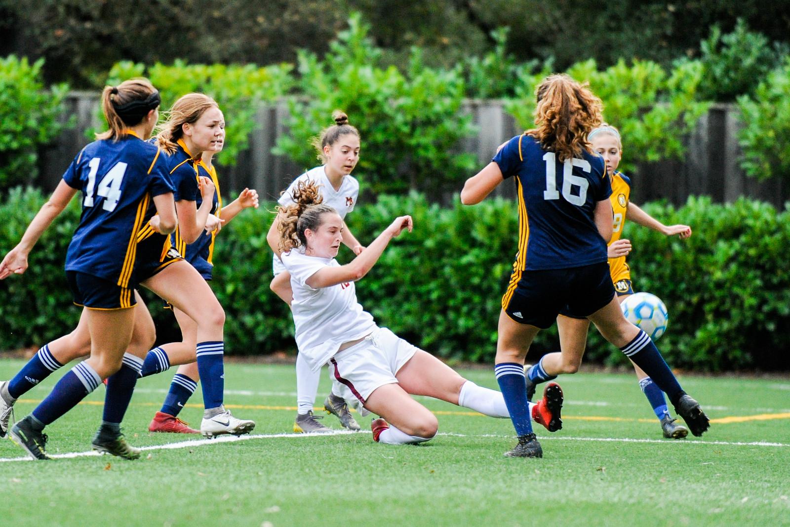 Girls soccer ties rival Menlo to open the 2019-20 season