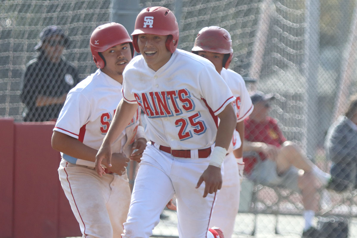 Santa Ana beats Estancia to move into 1st place tie