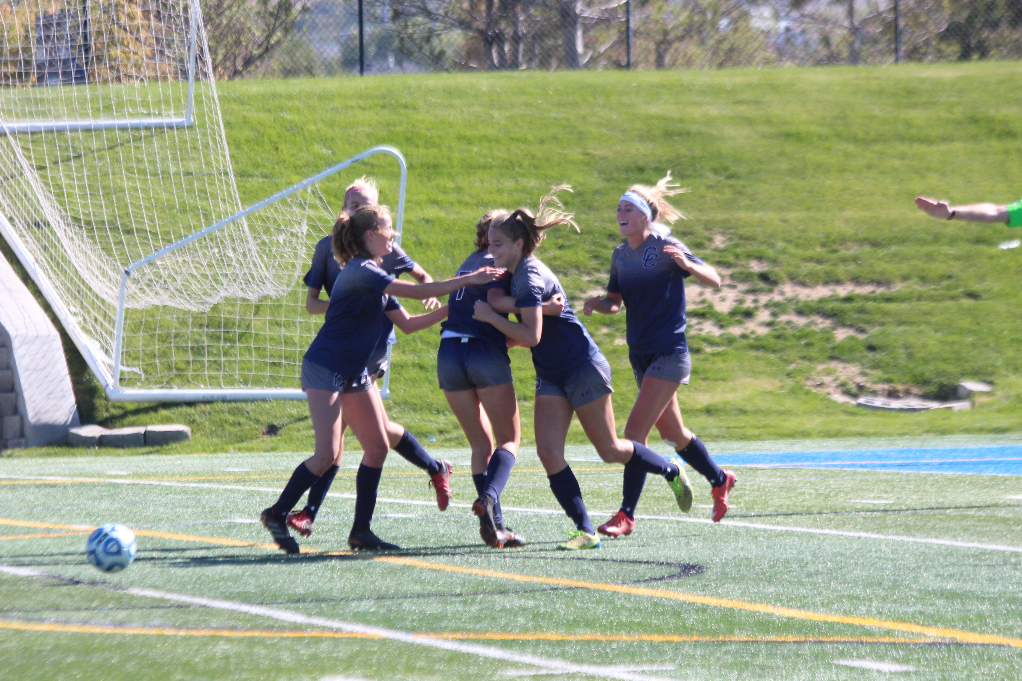 Girls' Soccer Dominates Skyline, Will Play for State Championship
