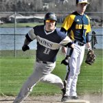 Baseball Team Splits with Hesperia