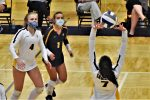 Volleyball Improves to 3-0 in Conference with Road Win