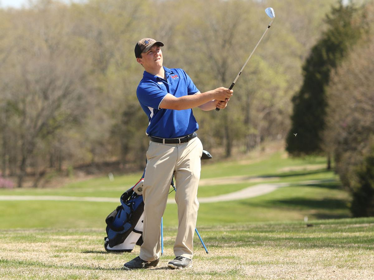 Hammond uses home course advantage to tie for medalist honors
