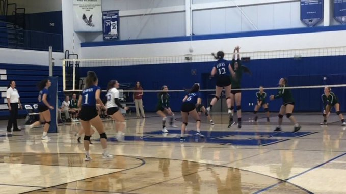 HHS Varsity Volleyball Defeats DeSoto
