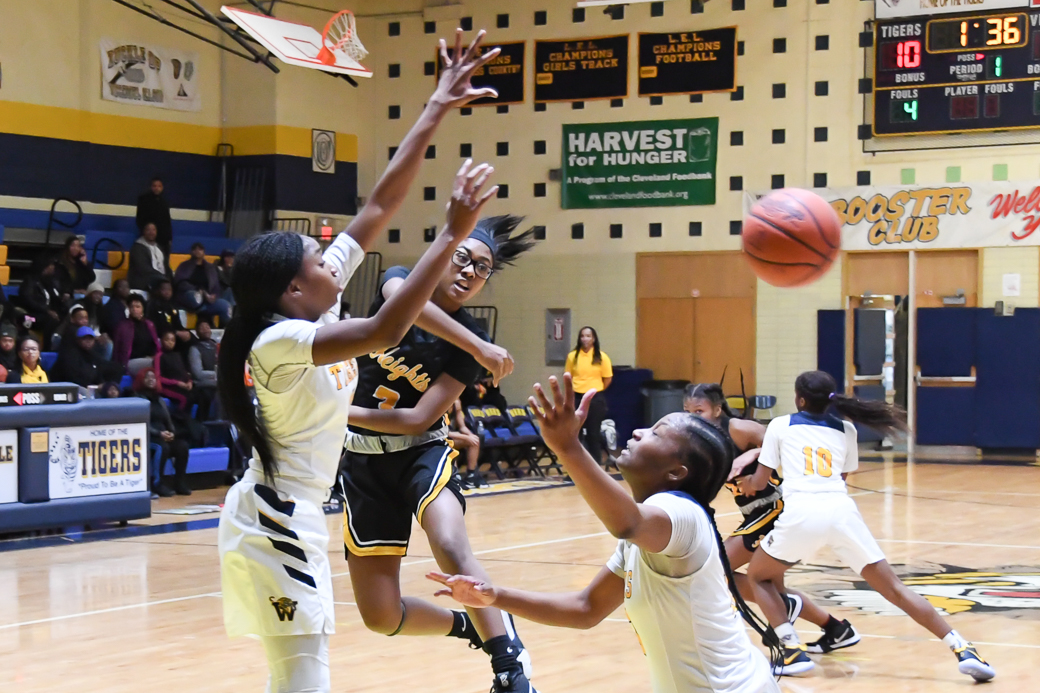 HEIGHTS GIRLS BASKETBALL – Tigers rally past John Hay for 4th straight win