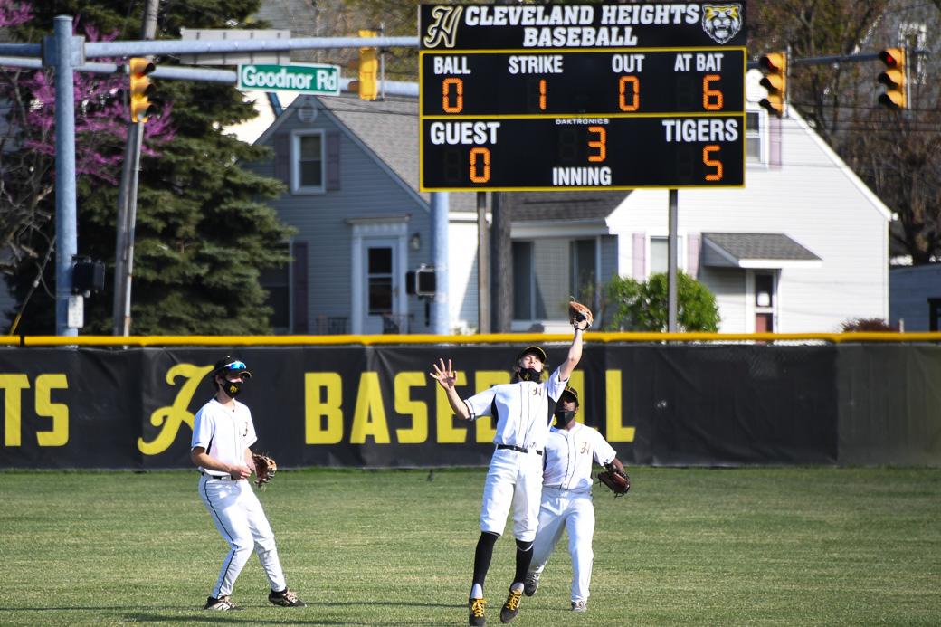 HEIGHTS BASEBALL – Tigers run winning streak to 8 in a row