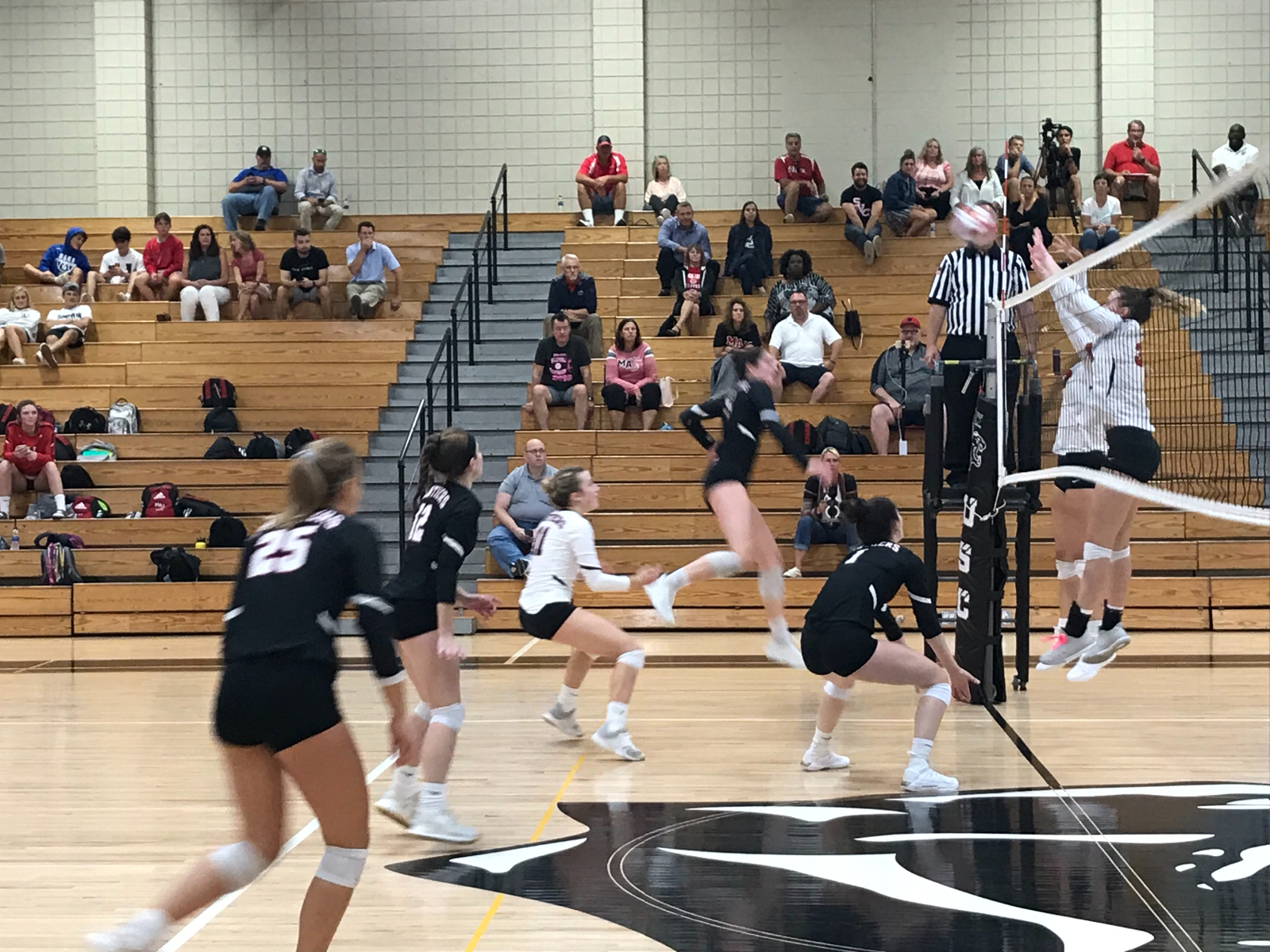 USC Girls Volleyball Gets Win Over Moon!