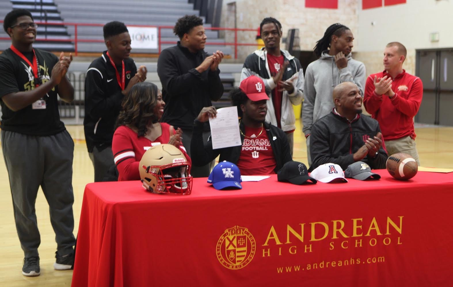 Cameron Williams Commits to Indiana University