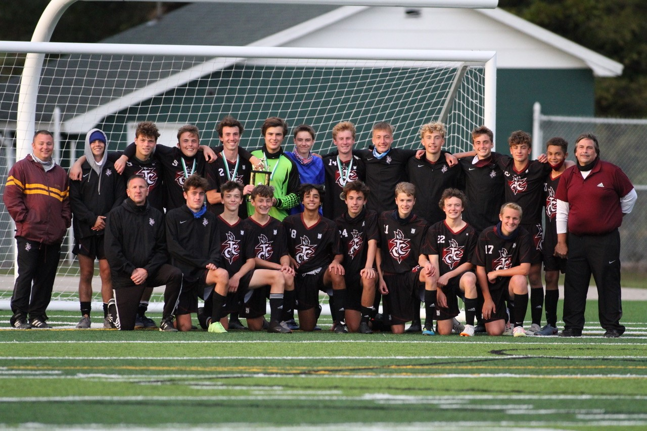 Boys Varsity Soccer Team Wins Alpena Tournament