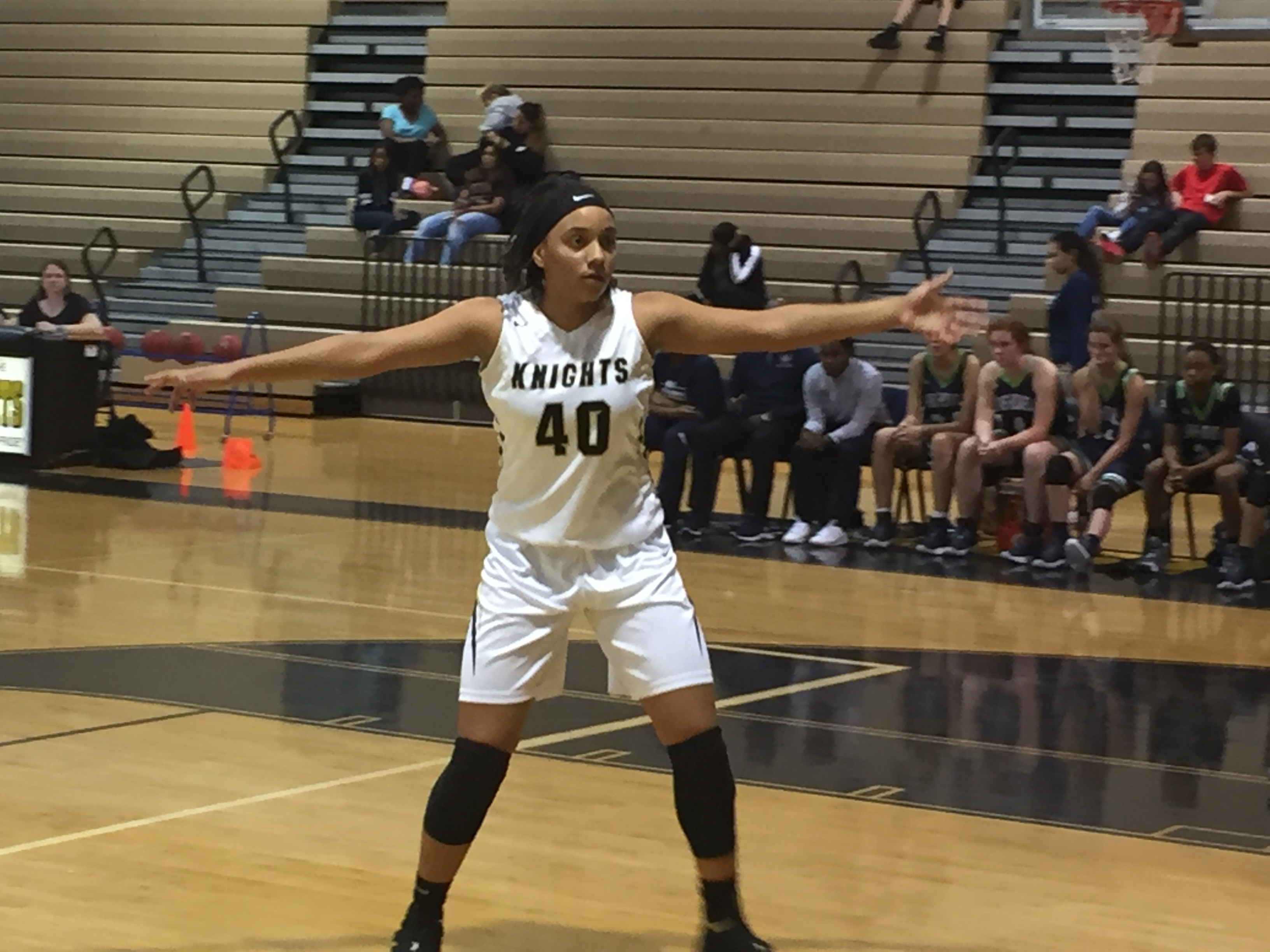 Lateisha Edwards scores 1000 points for her career