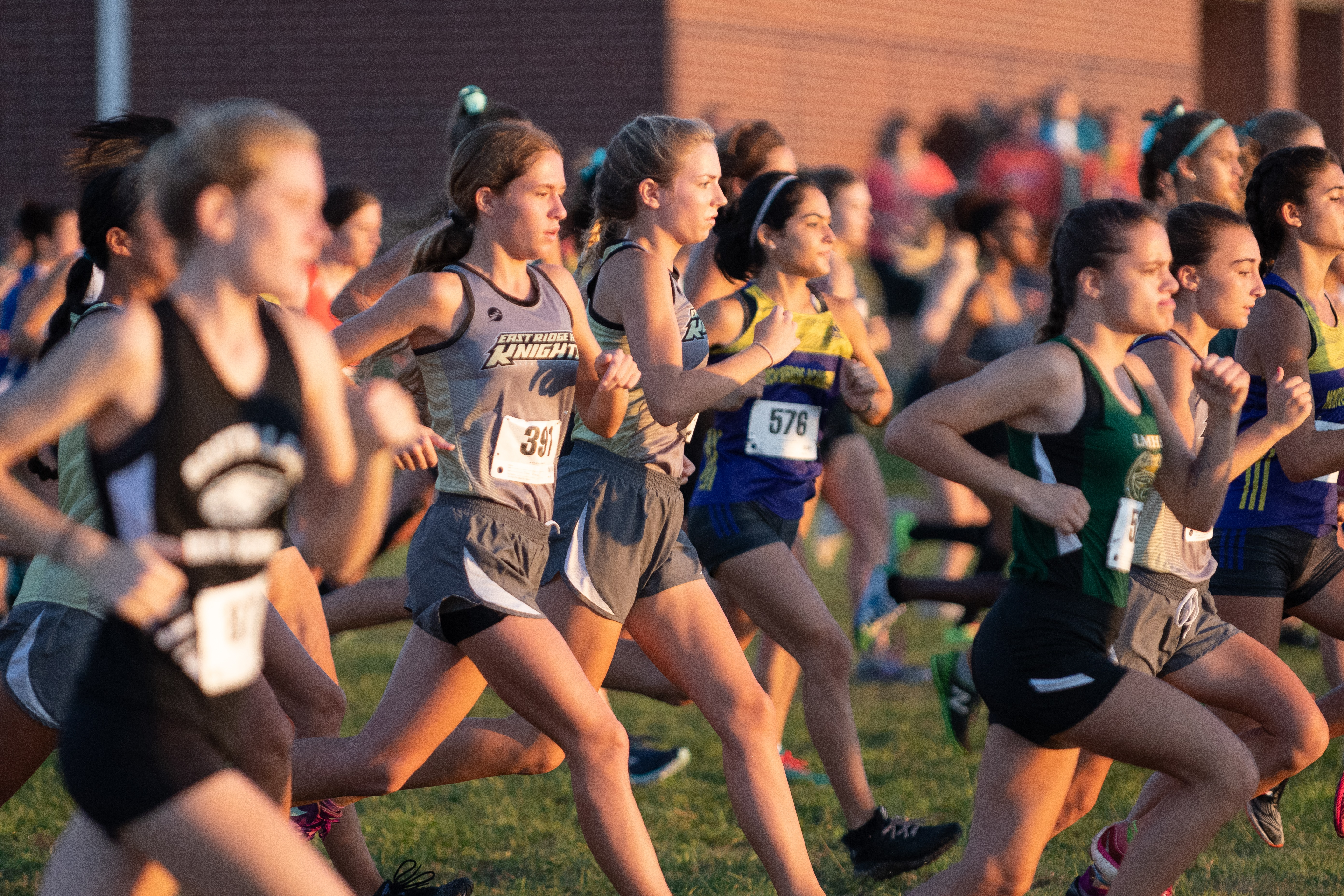Girls Varsity Cross Country finishes 3rd place at Early Hawk Invitational