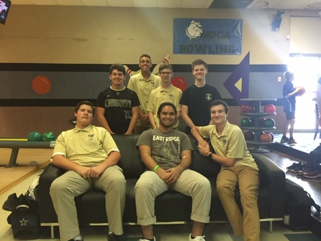 Boys Varsity Bowling finishes 4th place at District Tournament