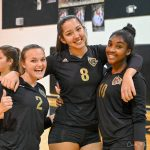 Girls Varsity Volleyball Pulls out a win against Apopka