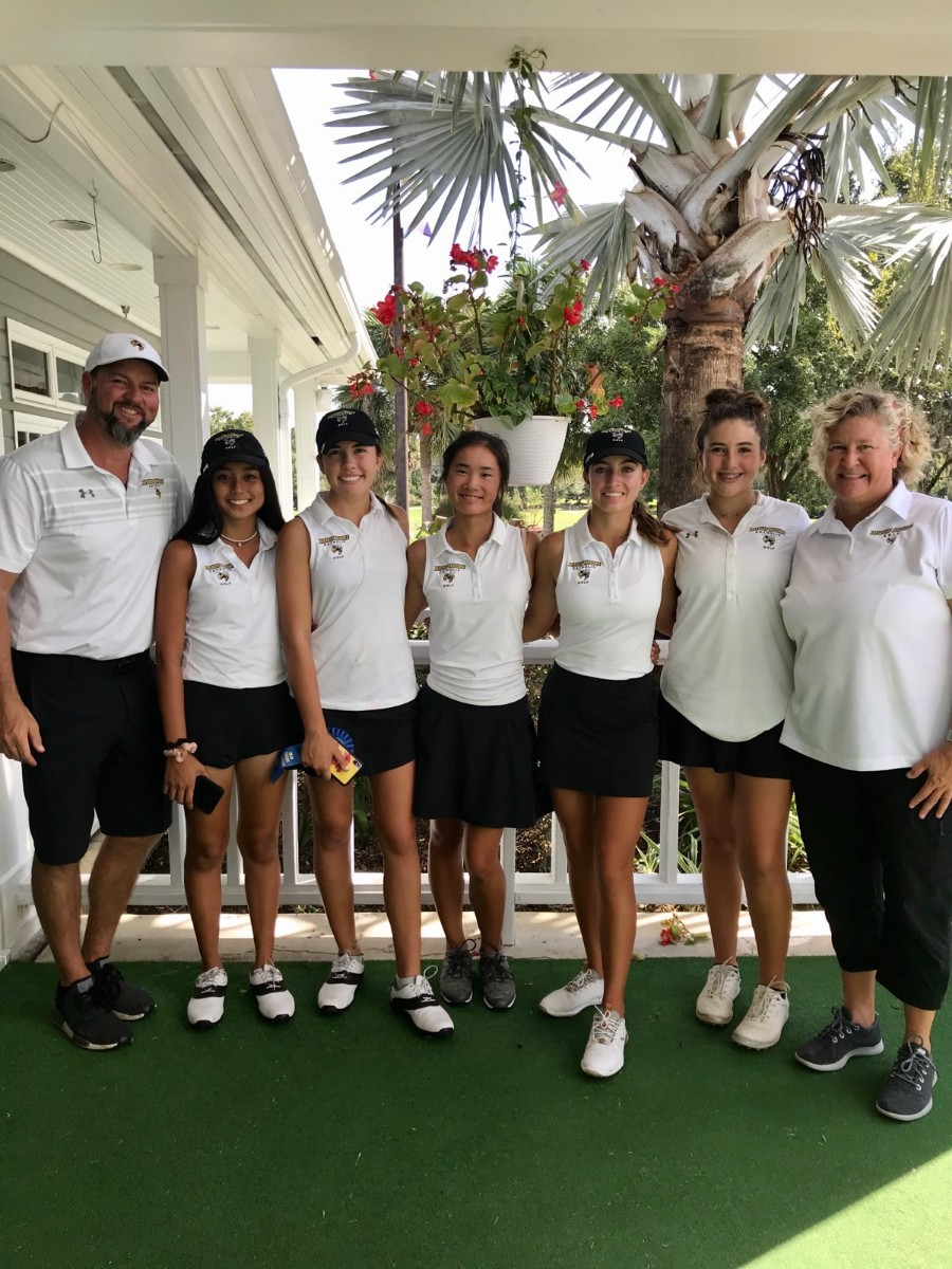 Girls Golf Advances to Its 5th Straight State Tournament