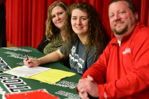 Elizabeth Selich Signing with Delta College