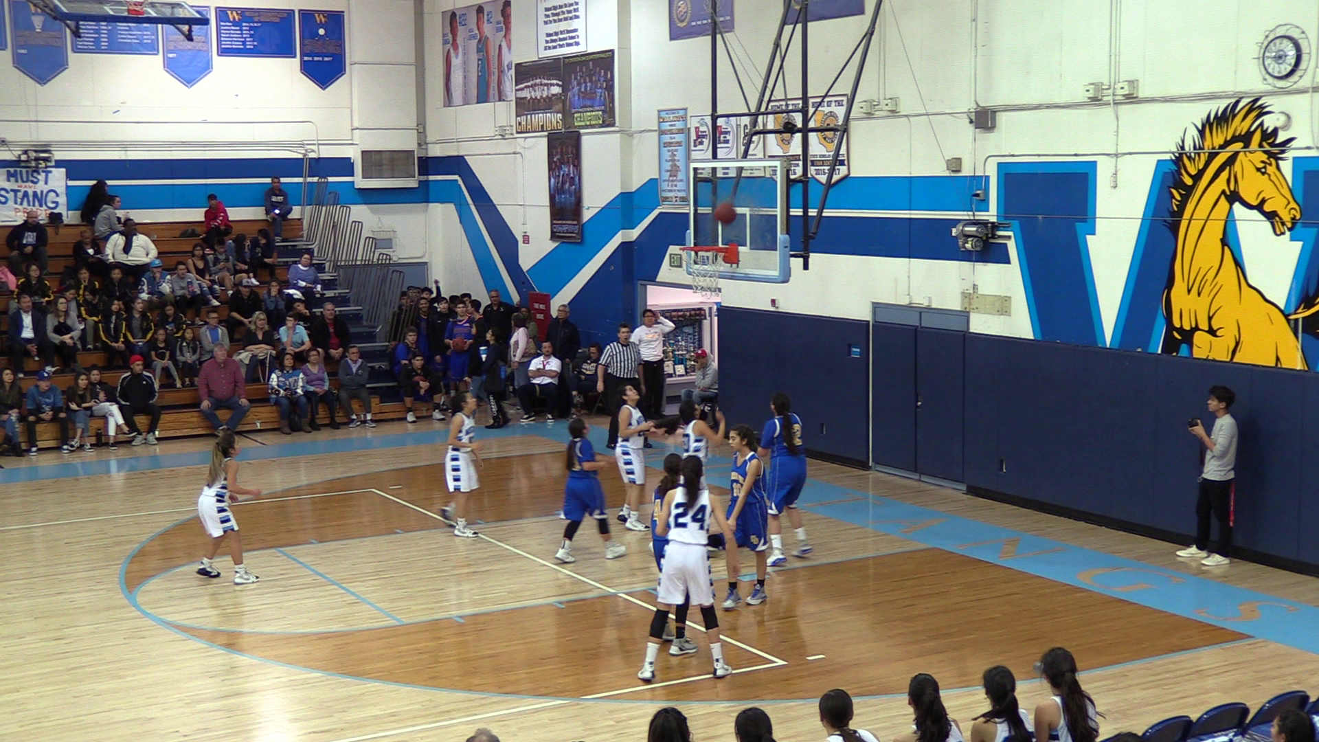 Girls Varsity Basketball beats Charter Oak 61 – 22
