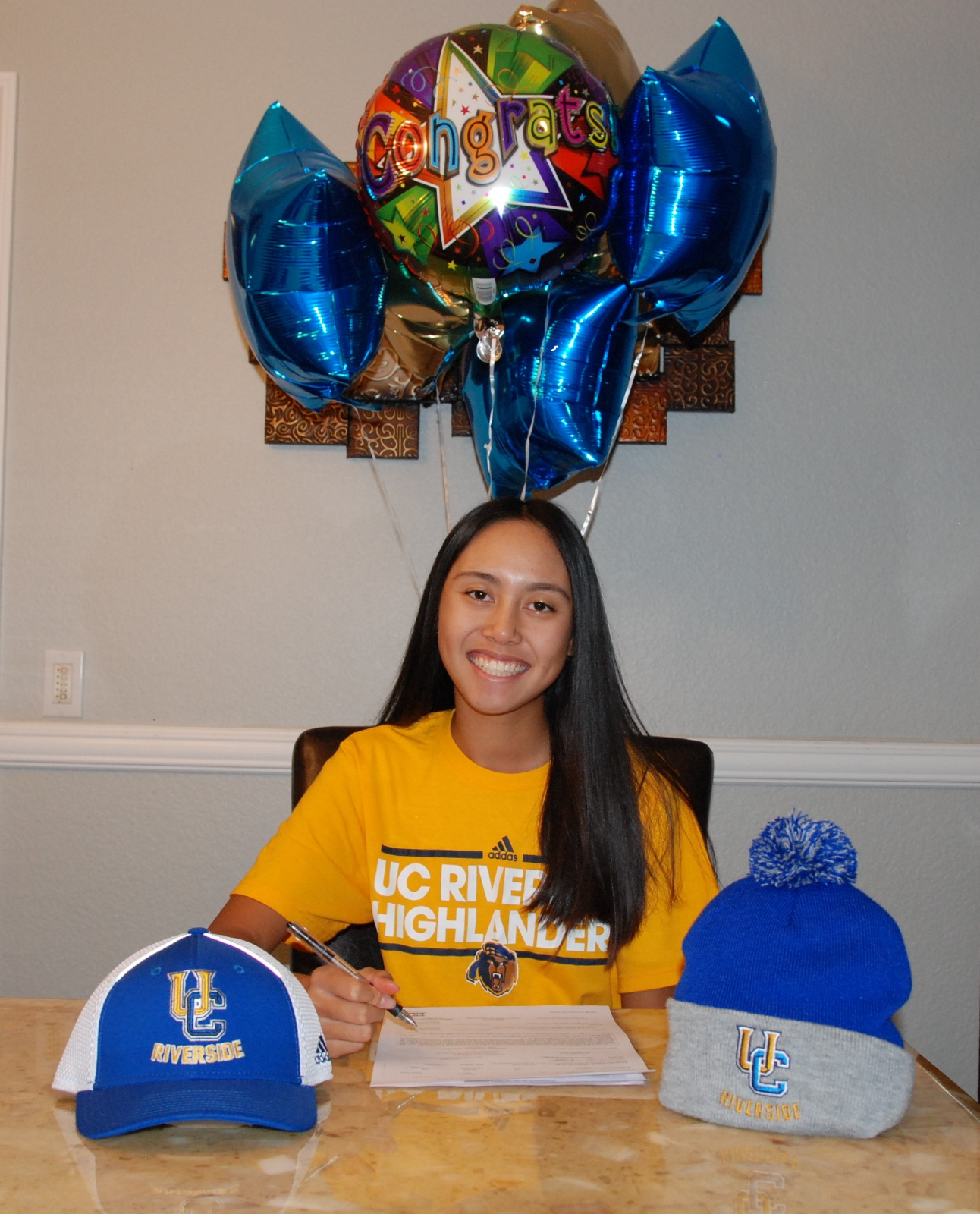 Golfer Tiffany Le Signs with UC Riverside