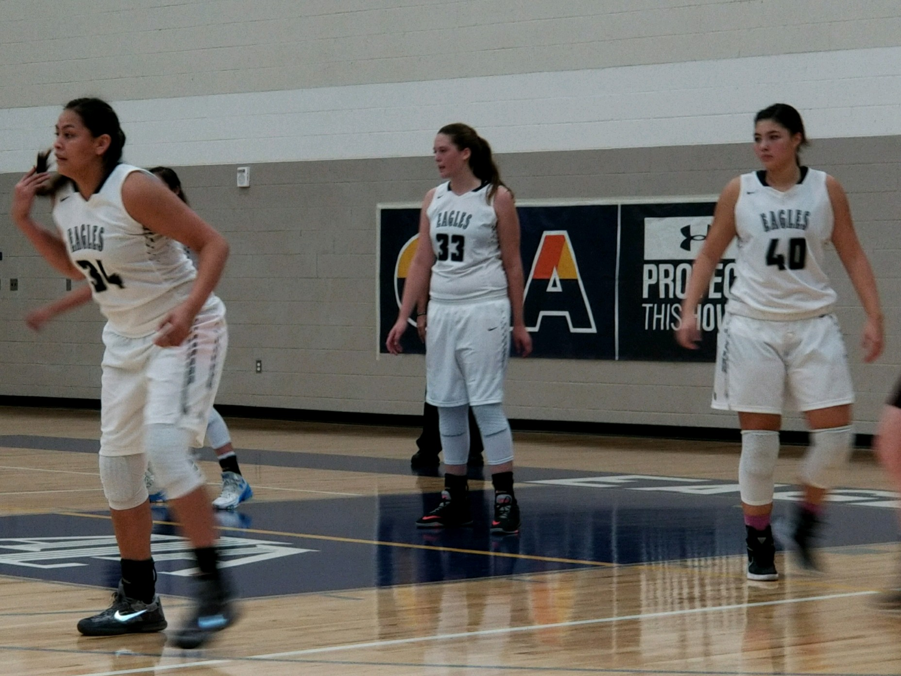 Girls hoops bounce past Desert Heights