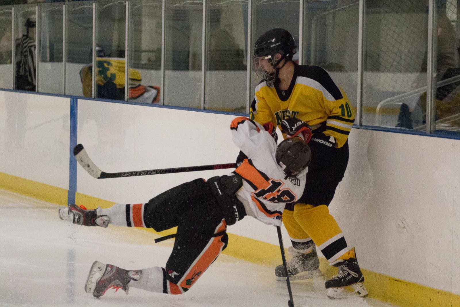 Photo Gallery: @Amherst_Hockey vs Normandy – 11.10.18