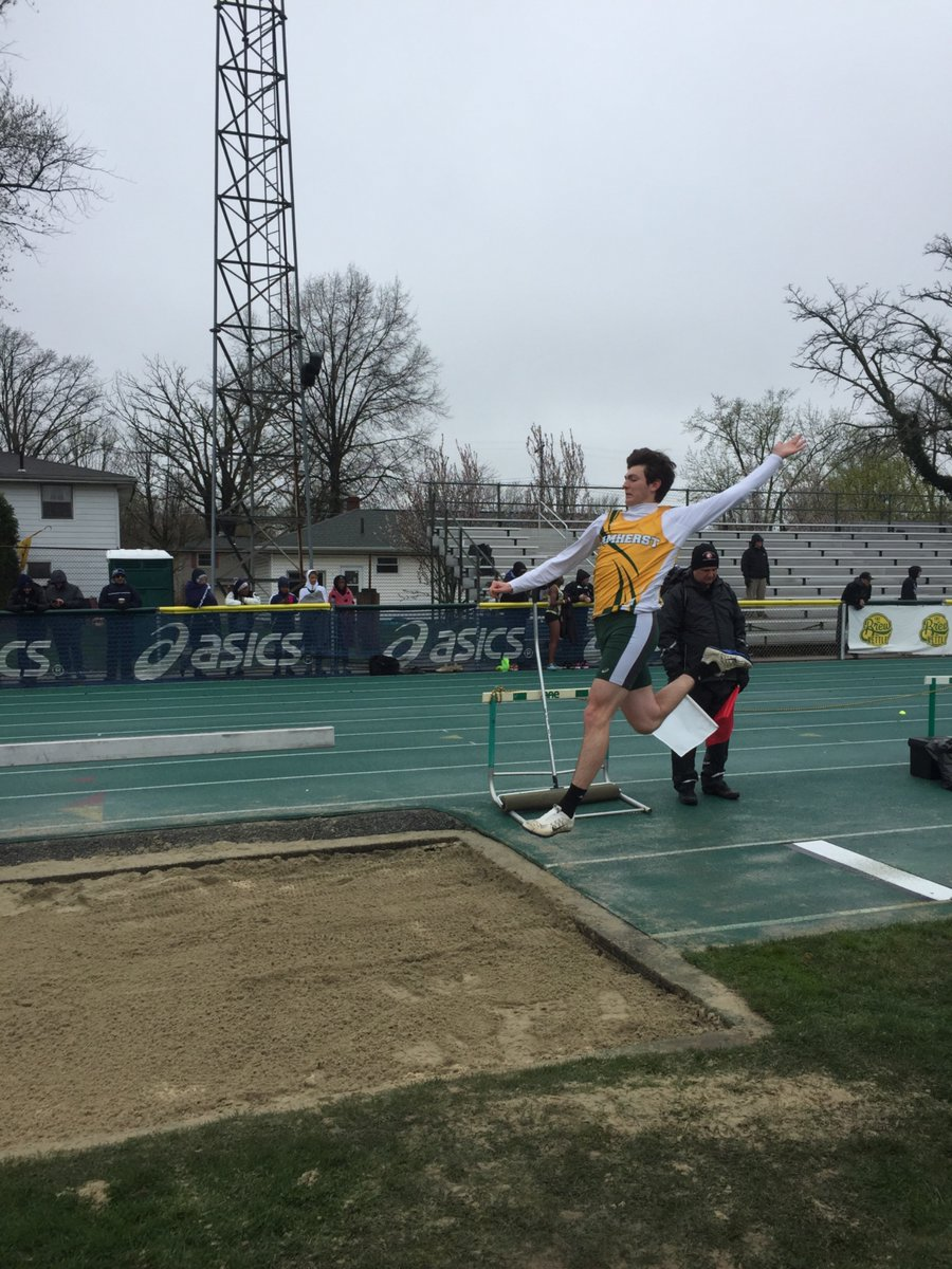 Track and Field team finishes 5th at 64th Annual Comet Relays