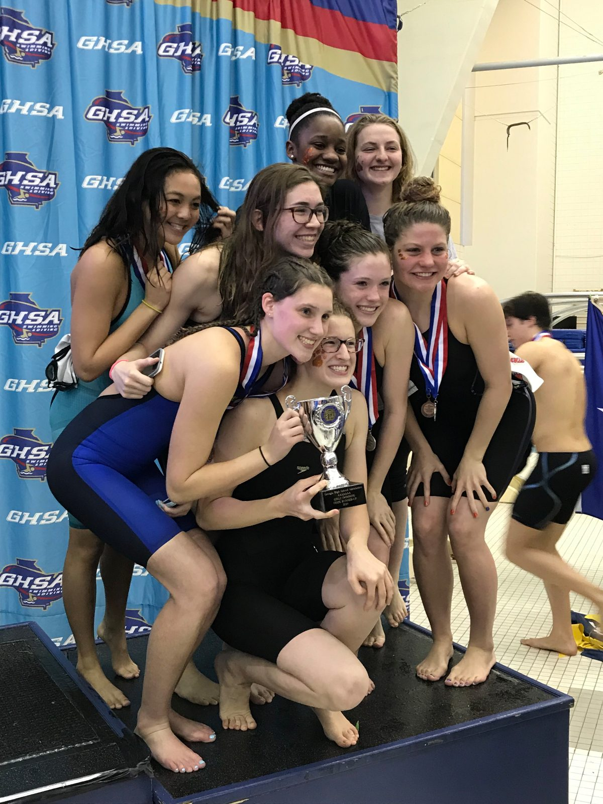 Swim and Dive Shines at State Meet