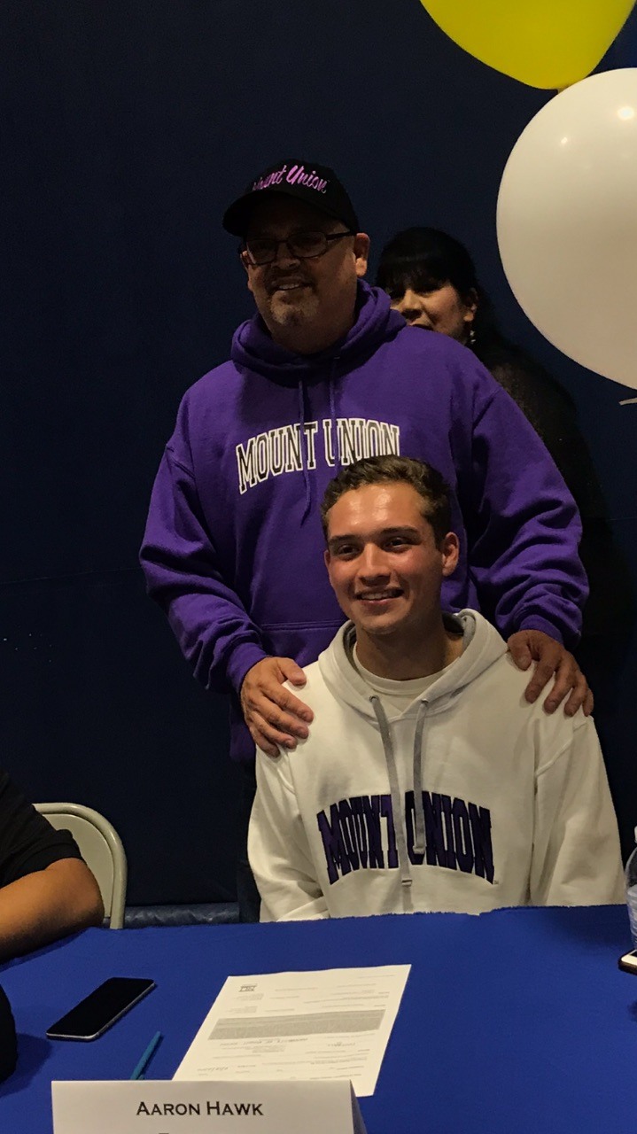 Aaron Hawk – Signs to play at: University Of Mount Union