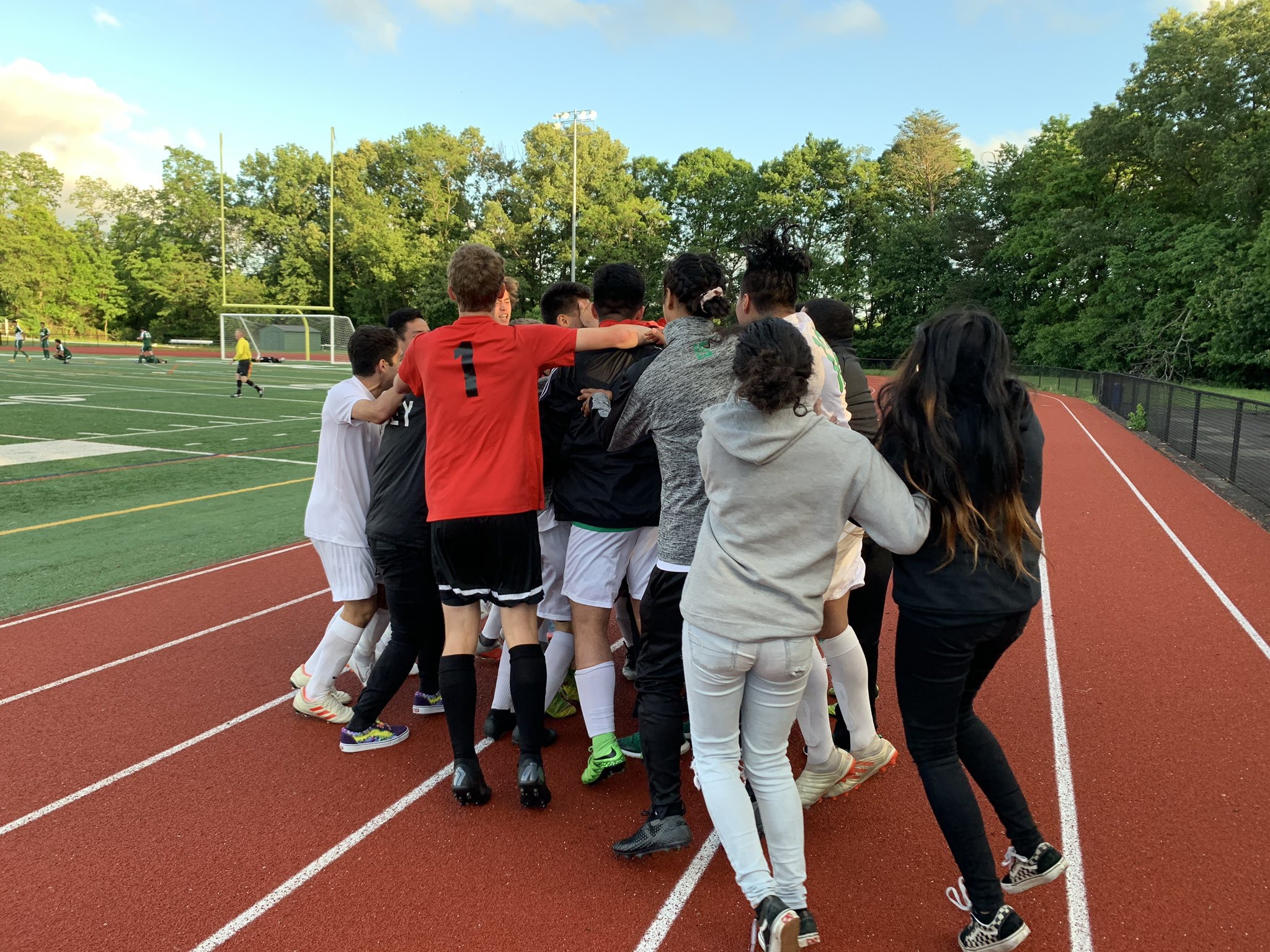 Boys Varsity Soccer beats Falls Church 2 – 1