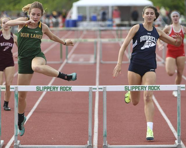 Kiera Cutright wins gold in 300 Hurdles