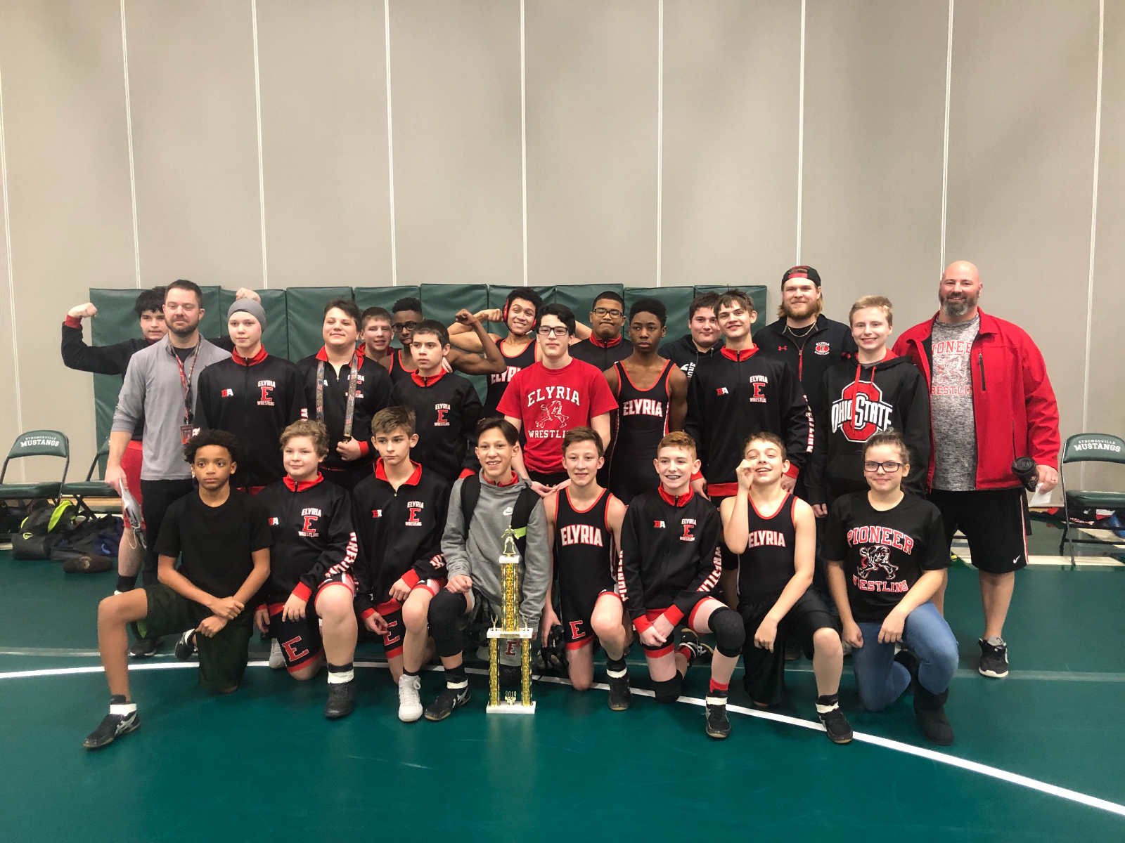 MS Wrestlers: Conference Champs