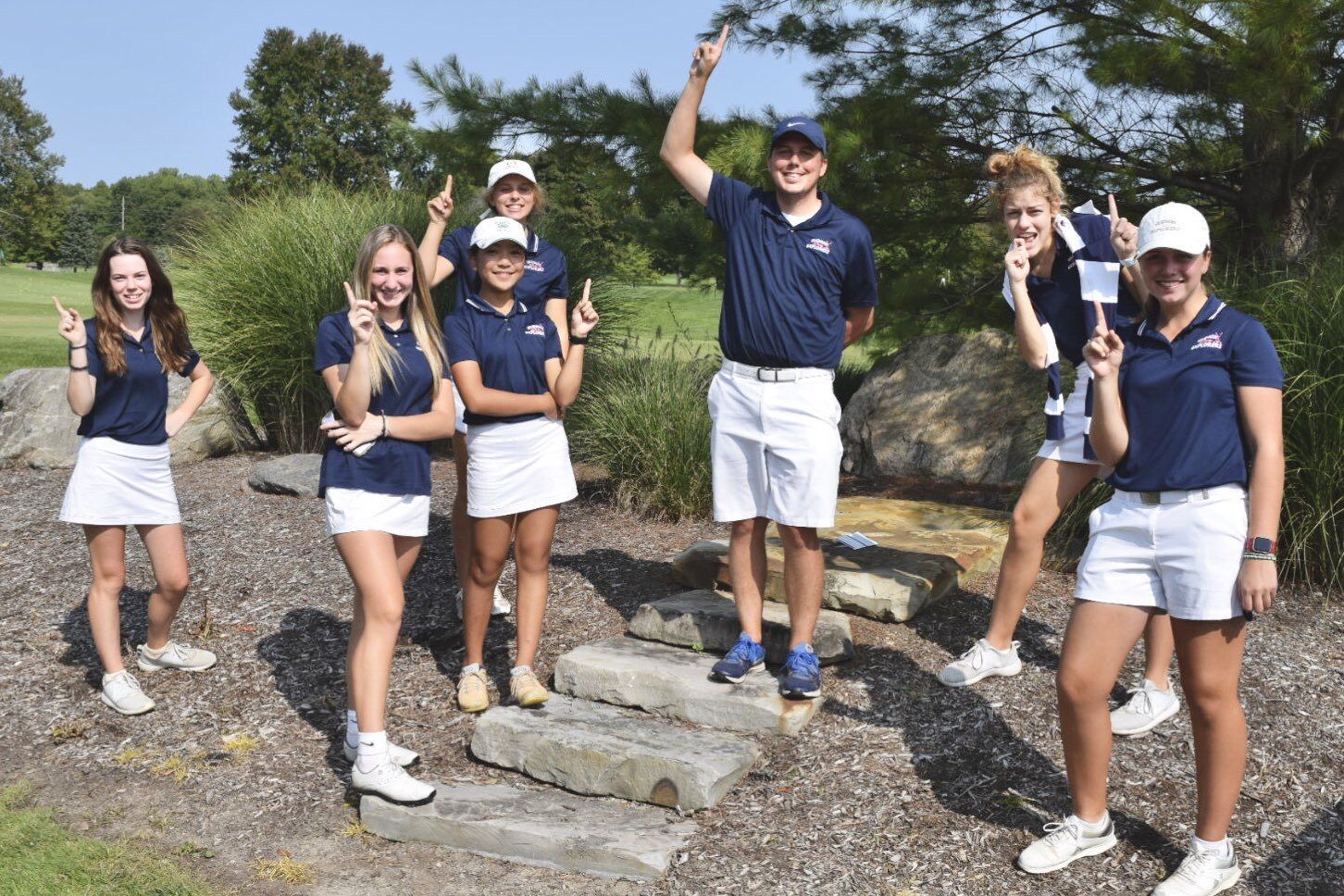 Girls Golf finishes 1st at Suburban League #4; Wins League Title!