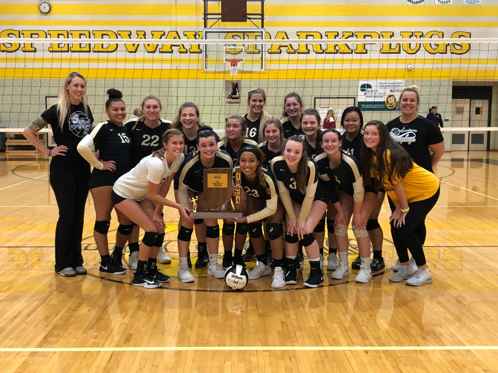 Girls volleyball earns 3A sectional trophy with win over Cardinal Ritter