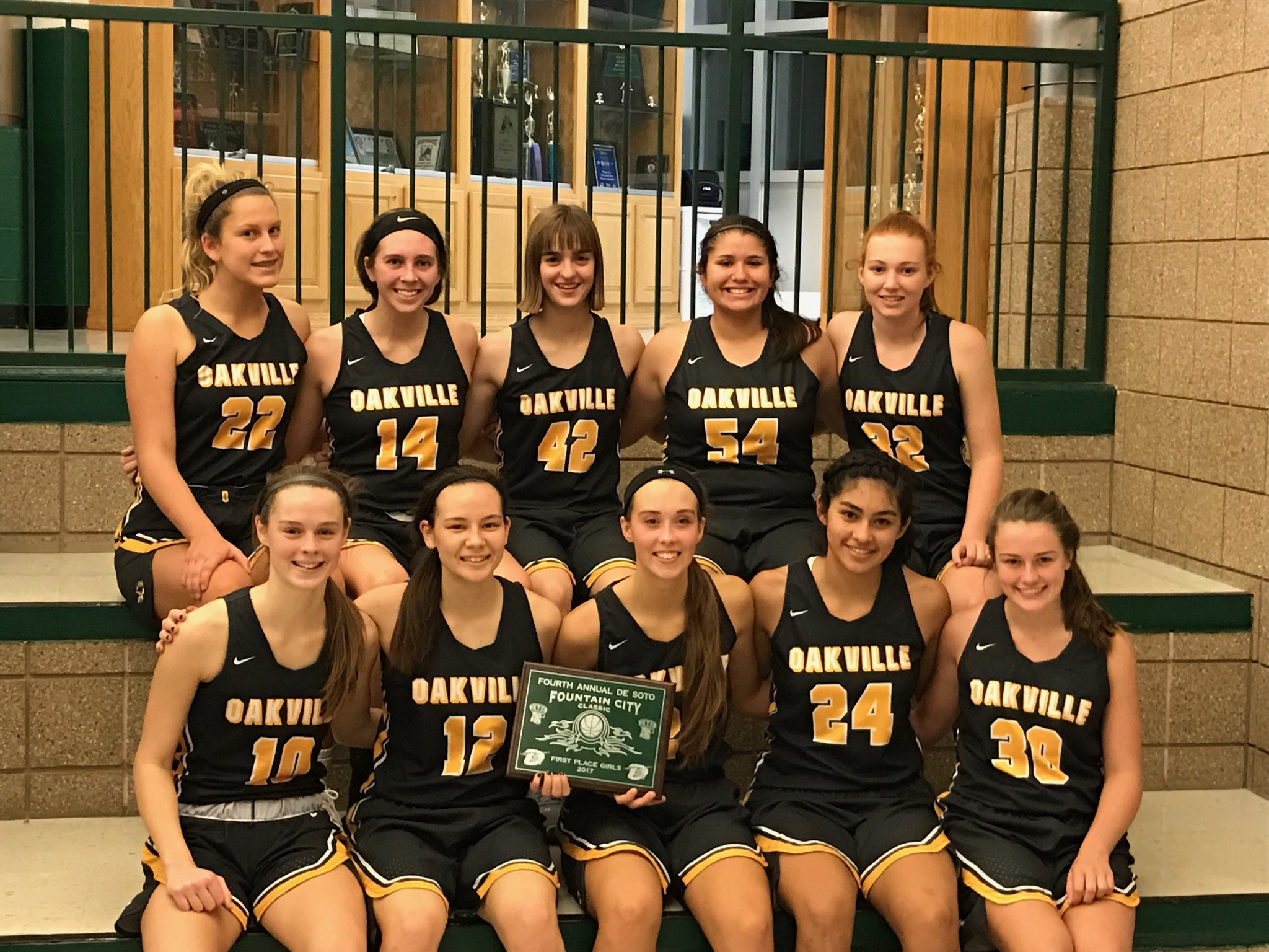 Varsity Basketball wins Fountain City Classic