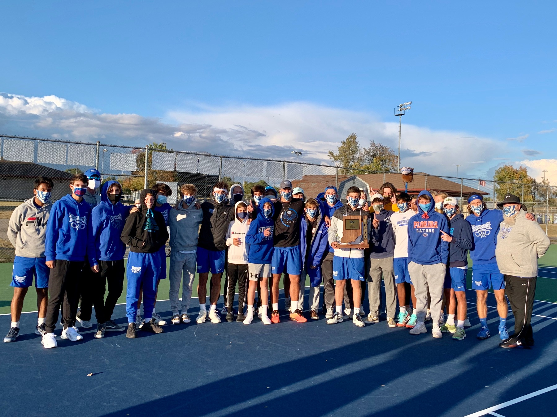 HSE Royals Tennis defeats Fishers 4-1 to Win Sectional Championship!