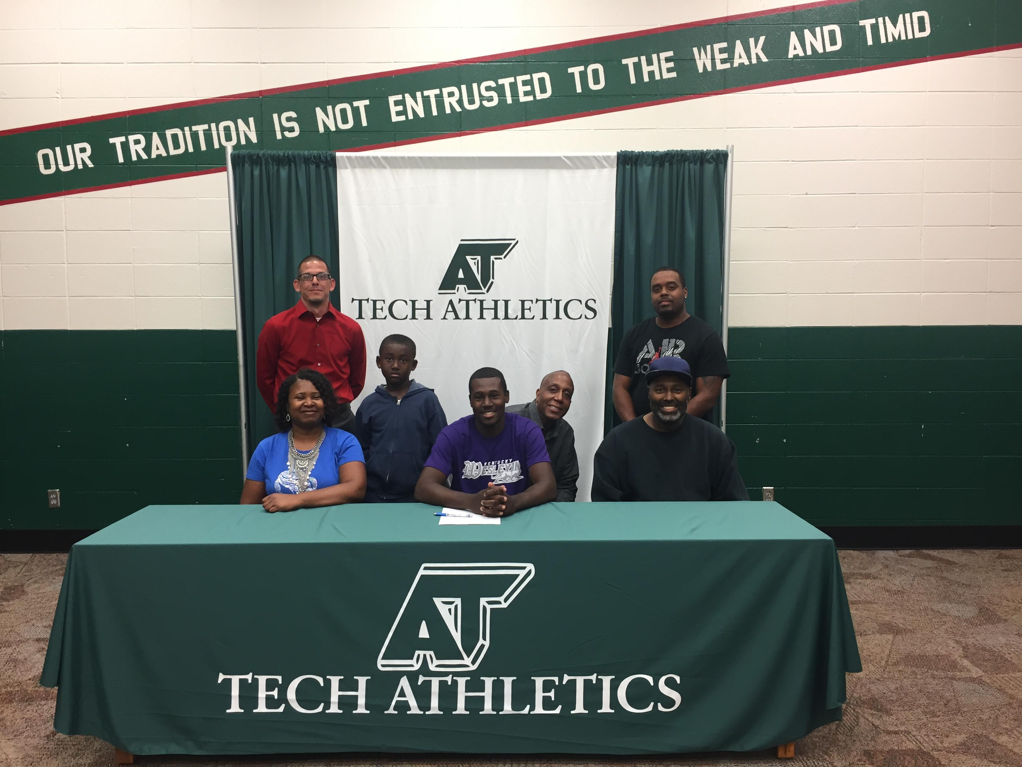 Jacarr Boone Signs with Kentucky Wesleyan