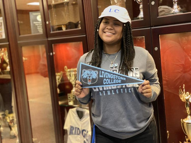 Aaleayah Odom Signs