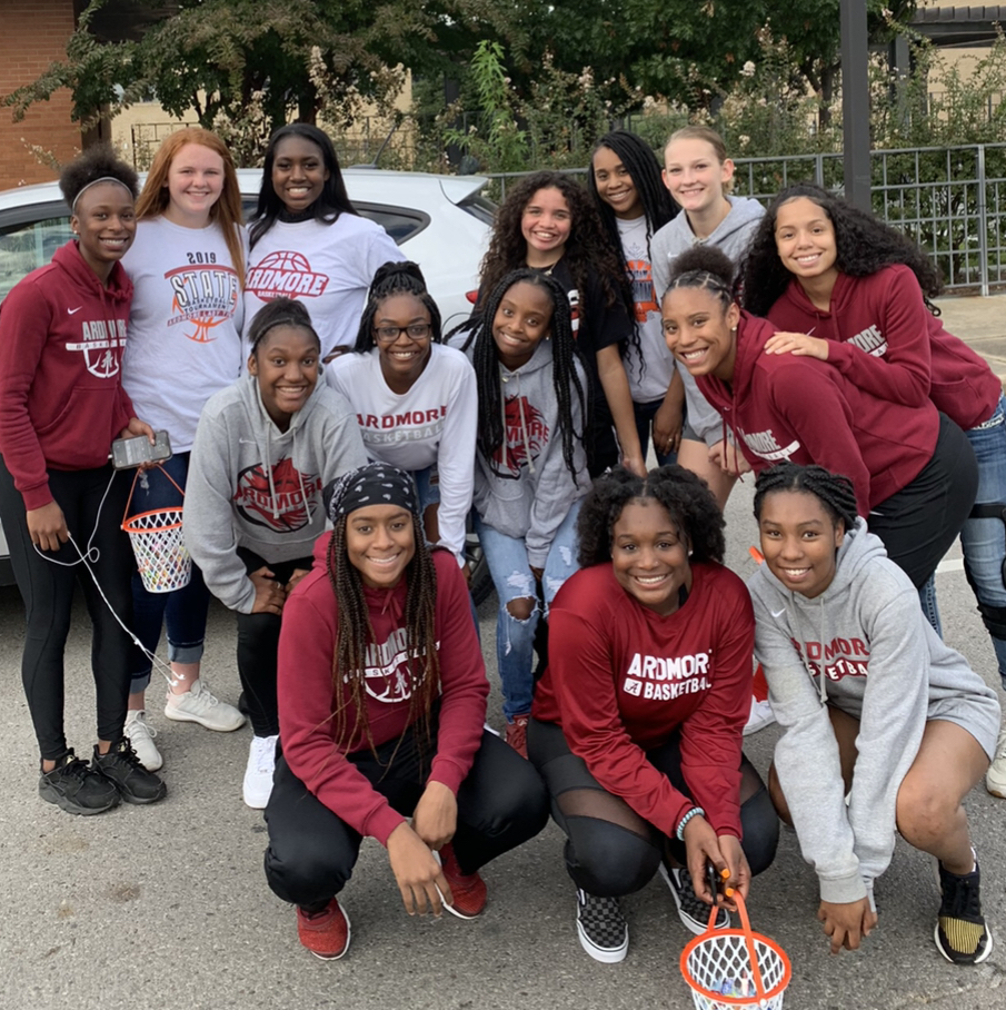 Lady Tigers Walk in Homecoming Parade