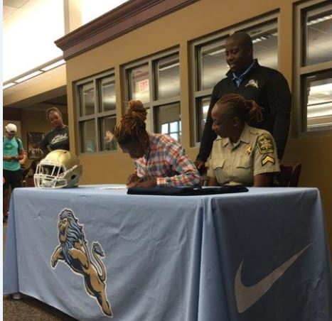 Two Daniel Football Players Sign