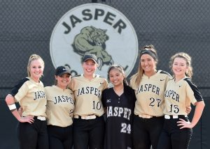 Girls Varisty Softball – Senior Night Recognition