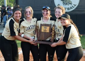 Girls Varsity Softball – Sectional Celebration