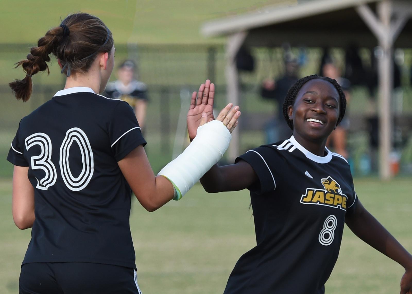 Soccer – Jasper vs EV Bosse (V-Girls)